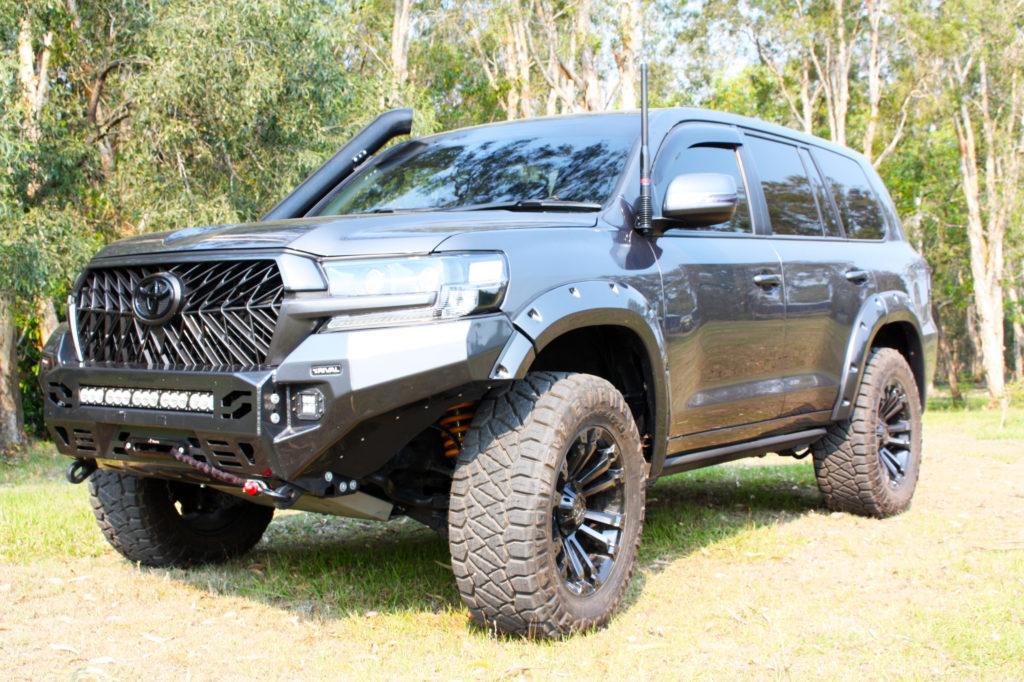 Superior installed 200 Series Outback Adventurer Kit